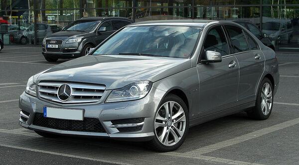 Стекло фары Mercedes-Benz W204 (2011 - 2014)