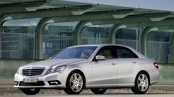 Стекло фары Mercedes-Benz W212 (2009 - 2013)