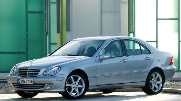 Стекло фары Mercedes-Benz W203 (2000 - 2007)