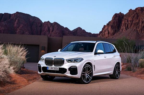 Стекло фары BMW X5 G05